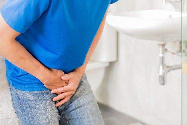 [新聞] 尿液變色、尿有泡泡,是怎麼了?泌尿科醫師教你看懂健康「泌」密